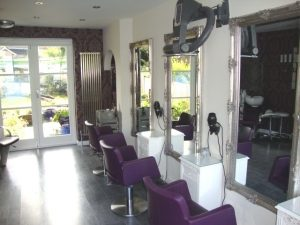 LOVELY EST UNISEX HAIR SALON & 3 BED HOME – Edge of Brighton