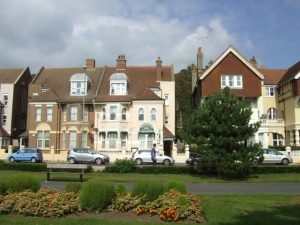 ATTRACTIVE 9 BEDROOM/7 BATHRM GUEST HOUSE – Nr Hastings, East Sussex
