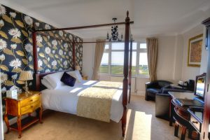 9 En-Suite Bed Guest House + Owners Home – Littlehampton