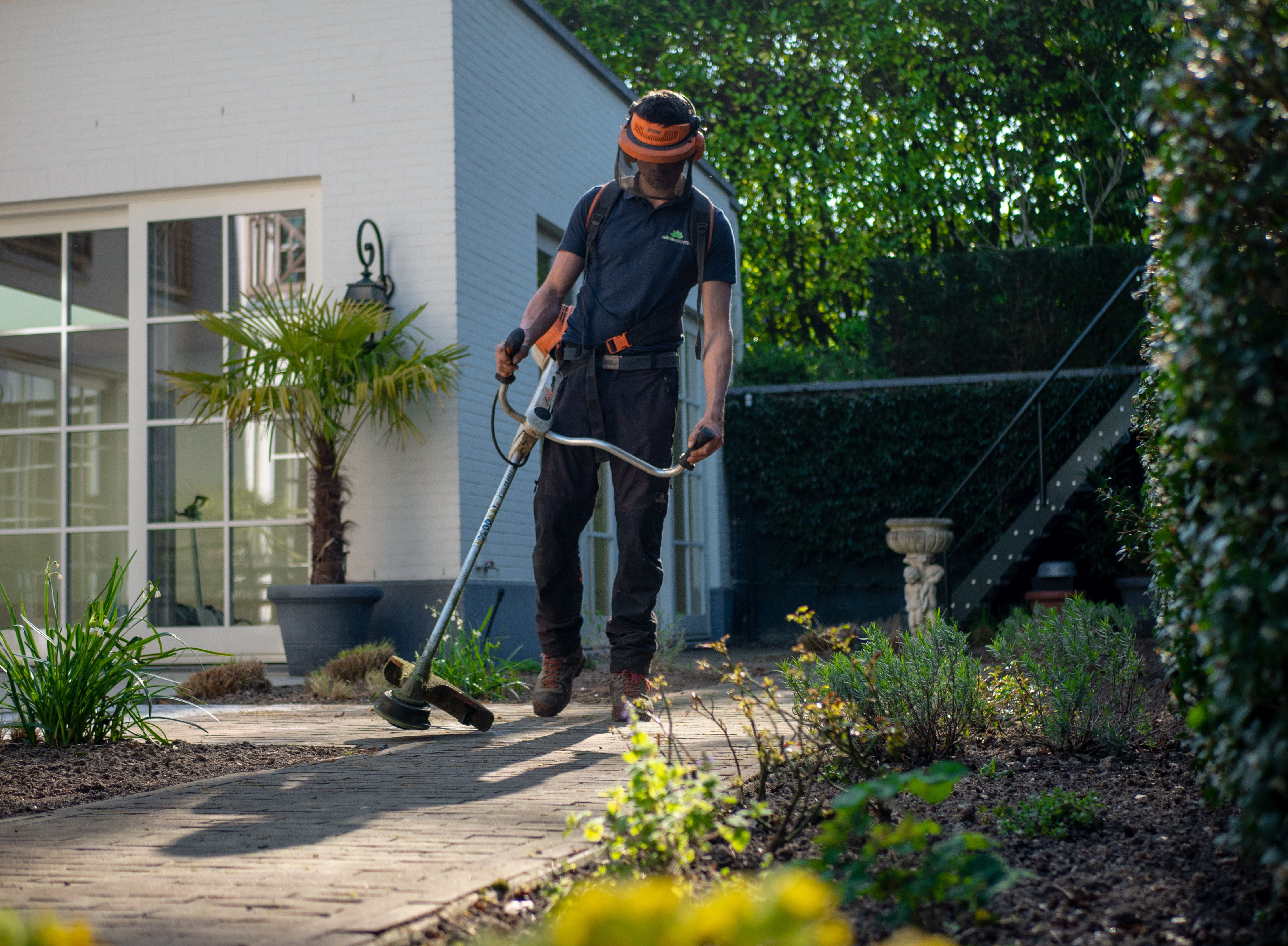 Garden Maintenance & Landscaping Business – Relocatable